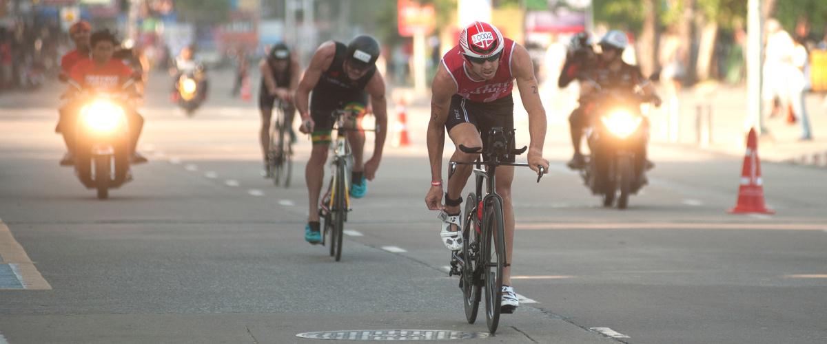 Athleten auf Rennrädern