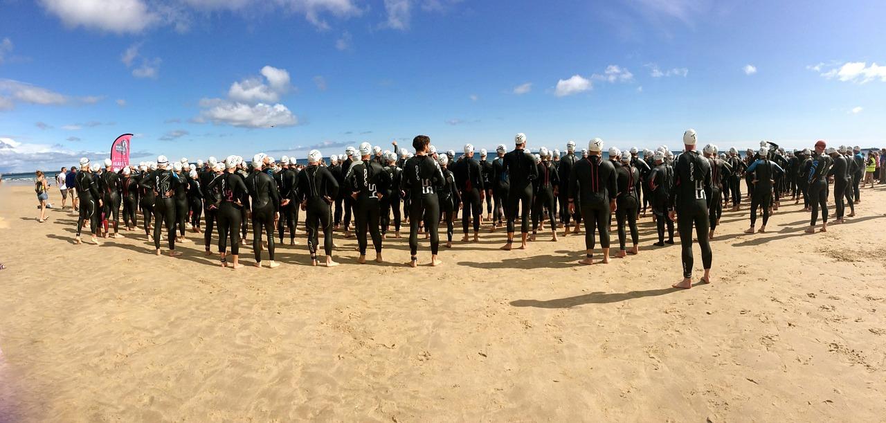 Triathlon Athleten am Strand